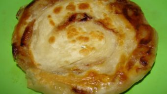 Naan Pyazi (onion layered flat bread) Recipe
