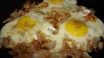 Egg with onions Recipe